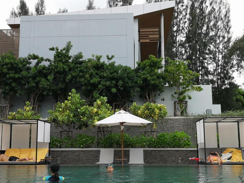 renaissancepattaya6163 Pattaya-Renaissance Pattaya Resort & Spa芭達雅萬麗 悠閒度假無邊際游泳池好舒爽