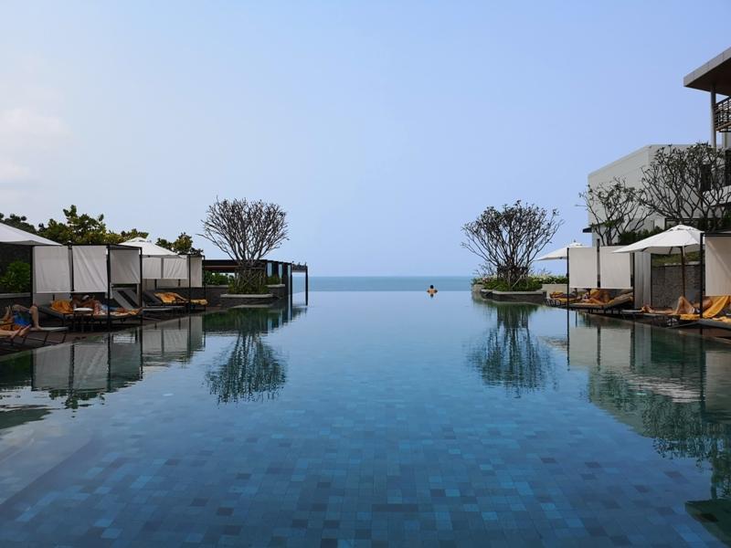 renaissancepattaya6166 Pattaya-Renaissance Pattaya Resort & Spa芭達雅萬麗 悠閒度假無邊際游泳池好舒爽