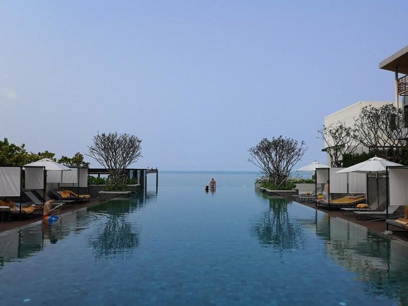 renaissancepattaya6167 Pattaya-Renaissance Pattaya Resort & Spa芭達雅萬麗 悠閒度假無邊際游泳池好舒爽
