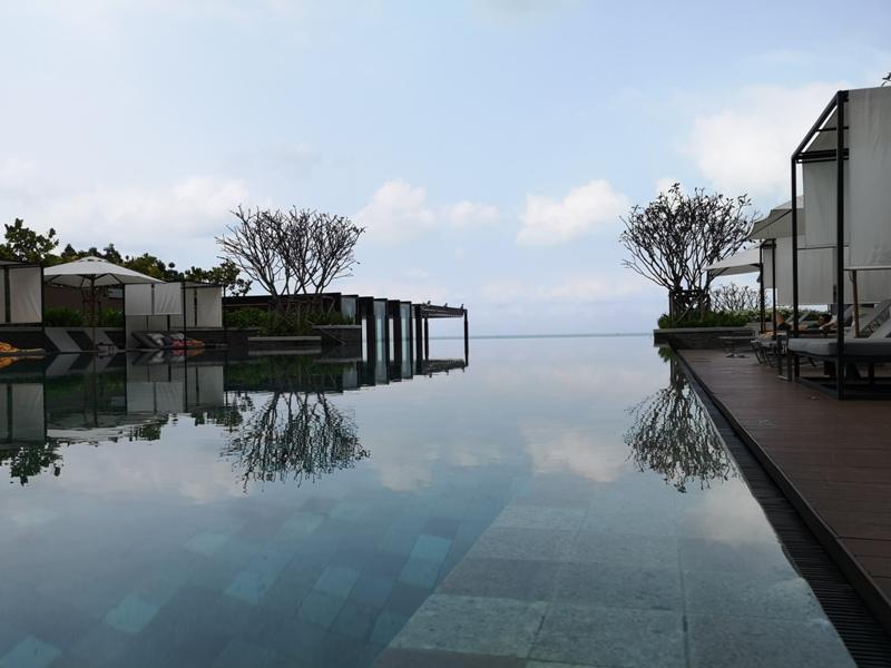 renaissancepattaya6171 Pattaya-Renaissance Pattaya Resort & Spa芭達雅萬麗 悠閒度假無邊際游泳池好舒爽