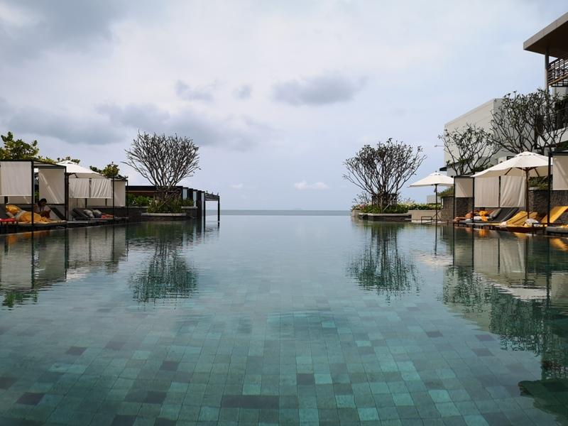 renaissancepattaya6172 Pattaya-Renaissance Pattaya Resort & Spa芭達雅萬麗 悠閒度假無邊際游泳池好舒爽