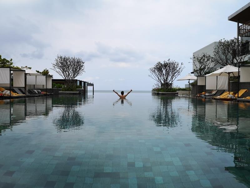 renaissancepattaya6173 Pattaya-Renaissance Pattaya Resort & Spa芭達雅萬麗 悠閒度假無邊際游泳池好舒爽