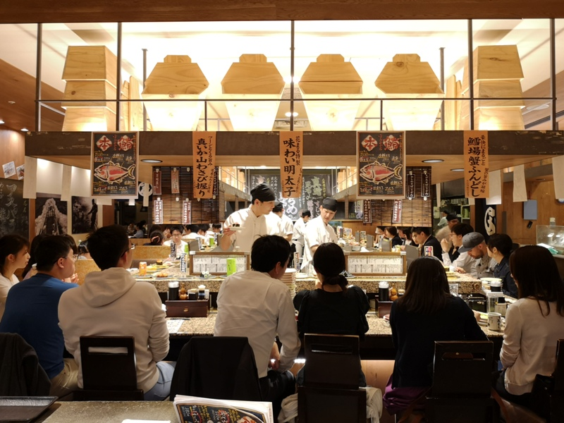 hanamaru13 Tokyo-超人氣旋轉壽司 根室花まる KITTE很好逛有博物館也有空中花園拍東京車站