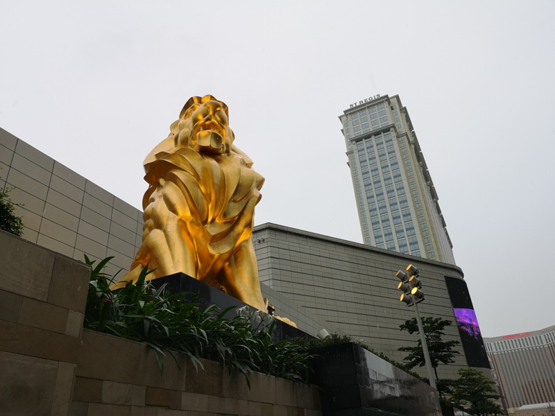 mgm03 Macao-澳門美獅美高梅MGM宛如美術館的購物中心 賭也要賭的優雅