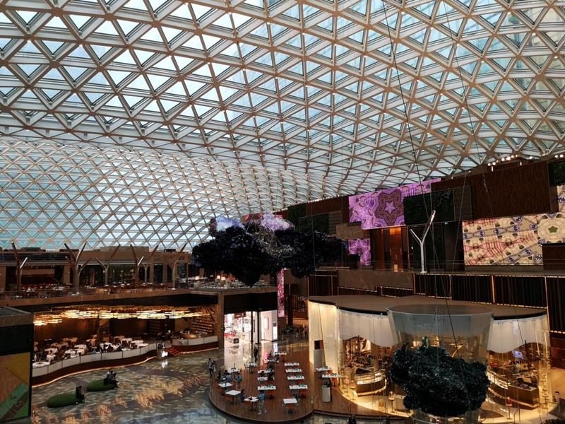 mgm09 Macao-澳門美獅美高梅MGM宛如美術館的購物中心 賭也要賭的優雅