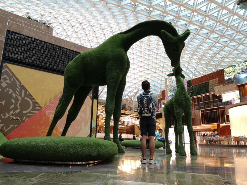 mgm18 Macao-澳門美獅美高梅MGM宛如美術館的購物中心 賭也要賭的優雅