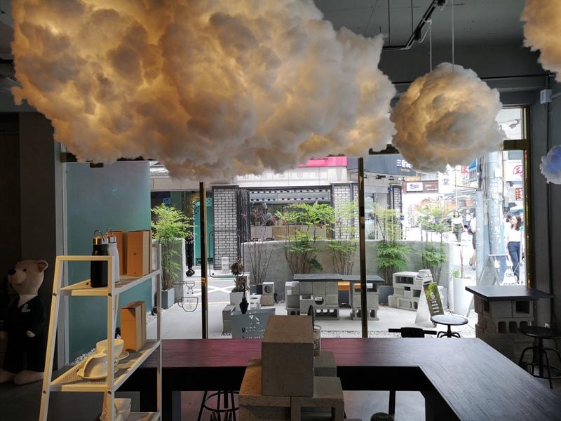 cafeel08 Seoul-Cafe El Cielo 男模幫你沖咖啡 首爾新沙洞時尚夢幻咖啡館