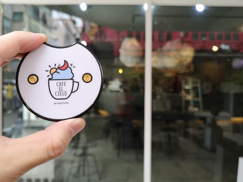 cafeel17 Seoul-Cafe El Cielo 男模幫你沖咖啡 首爾新沙洞時尚夢幻咖啡館