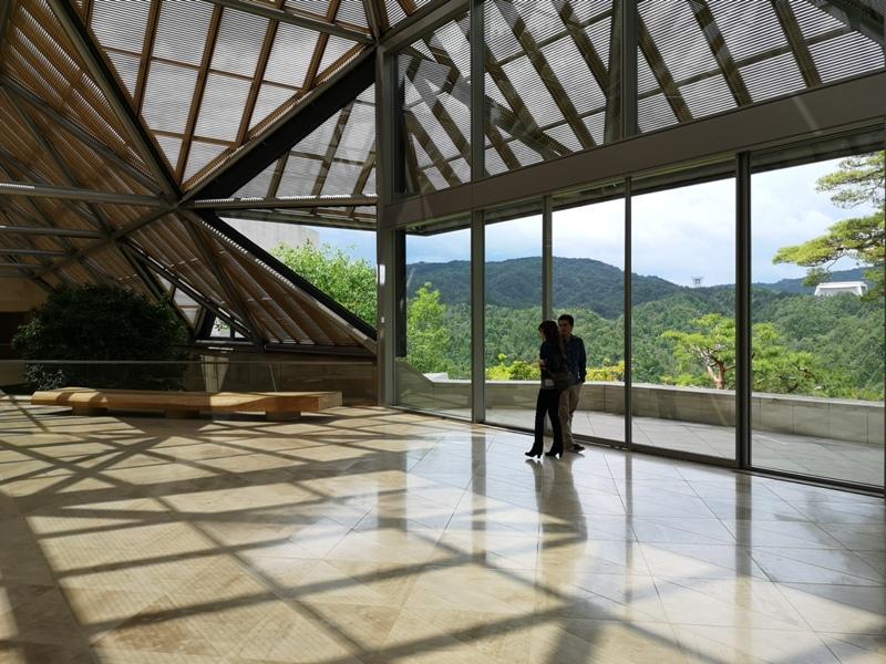 mihomuseum18 Shiga-滋賀Miho Museum美秀美術館 貝聿銘的桃花園 內外皆美的美術館