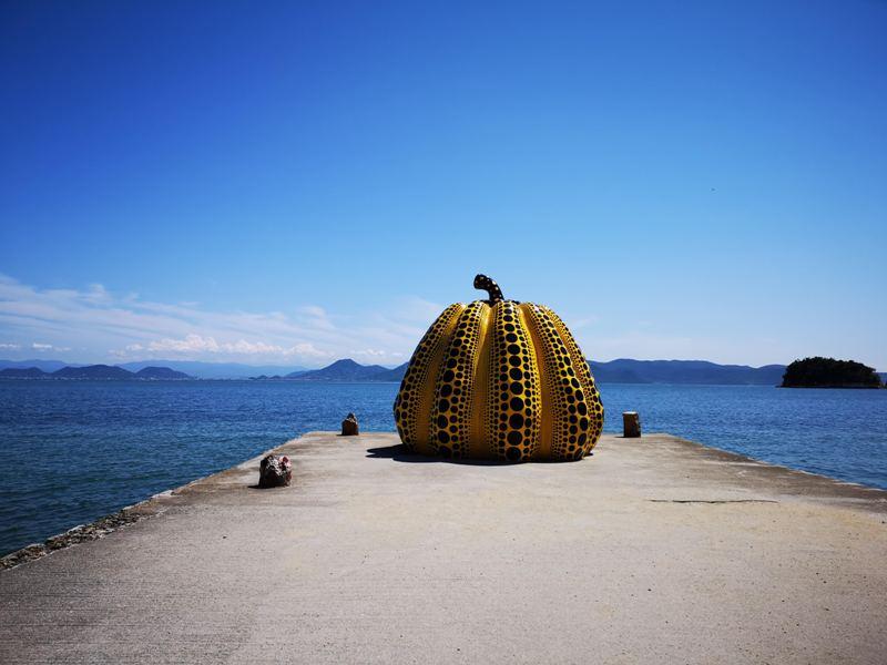 pumpkin01 Naoshima-黃南瓜紅南瓜 草間彌生的點點世界 快來直島找南瓜