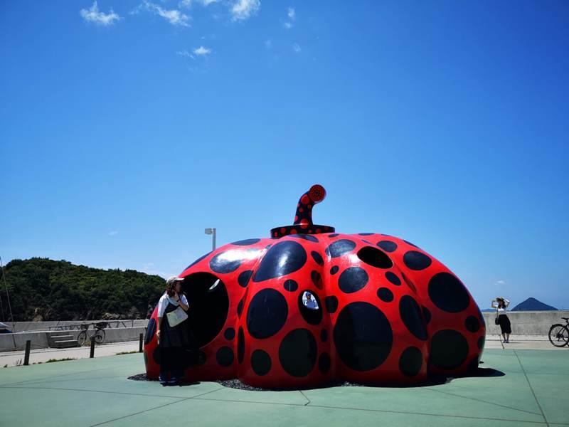 pumpkin02 Naoshima-黃南瓜紅南瓜 草間彌生的點點世界 快來直島找南瓜