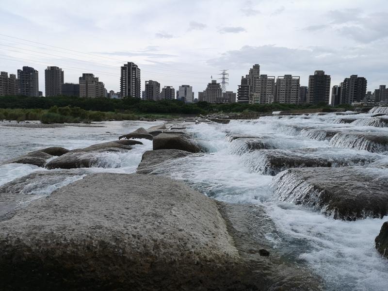 tofurockkk6 新竹-豆腐岩 頭前溪上水聲潺潺的IG熱點