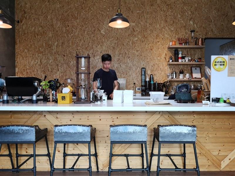 againagain03 中壢-再再之在 車庫改裝的咖啡空間 香氣滿溢
