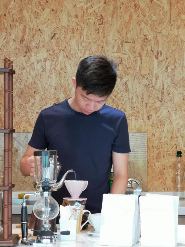 againagain10 中壢-再再之在 車庫改裝的咖啡空間 香氣滿溢