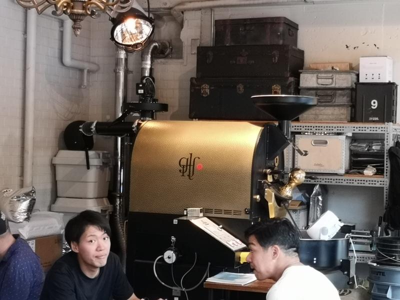 glitch08 Kanda-Glitch Coffee & Roasters神保町書店街 一杯咖啡配本書