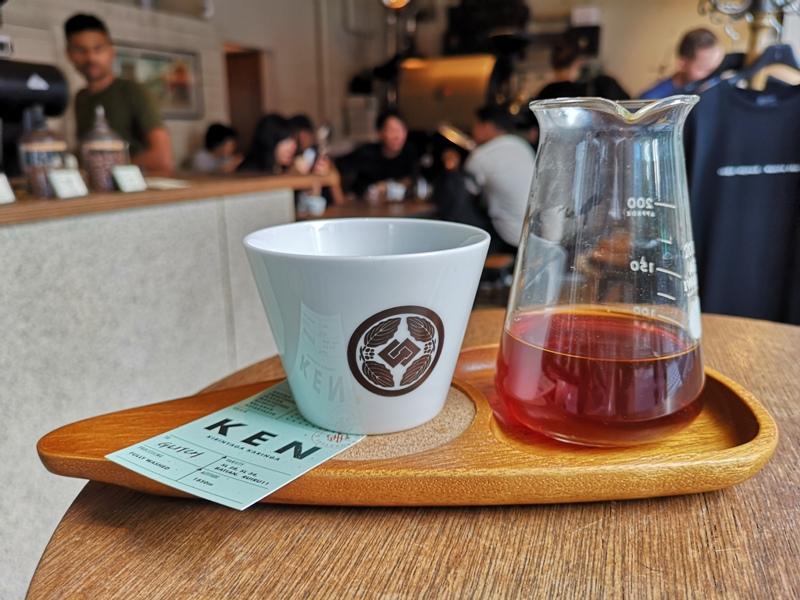glitch13 Kanda-Glitch Coffee & Roasters神保町書店街 一杯咖啡配本書