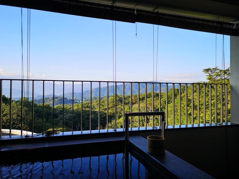 izumarriott24 Izu-伊豆修善寺萬豪 房間內泡湯享受山景與新鮮空氣