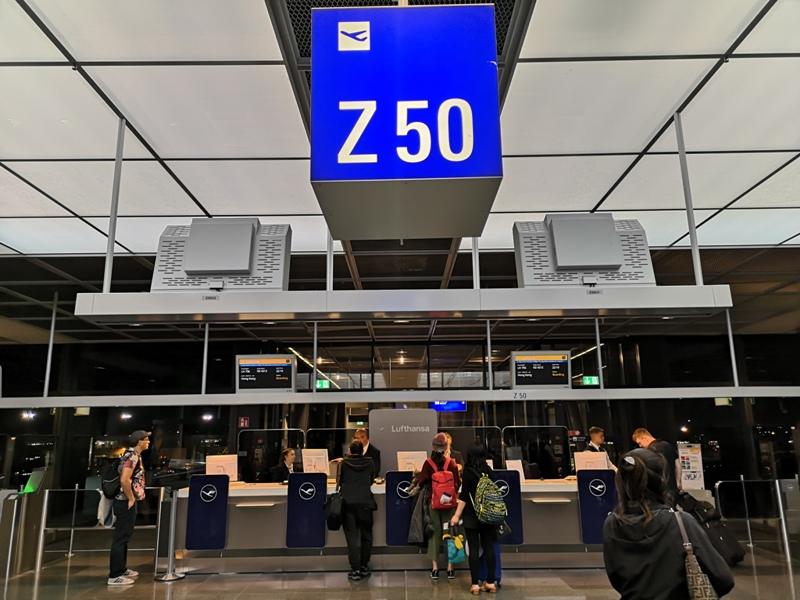 Dustpeeee19 201910 全日空取消漢莎救援 薩爾斯堡轉轉轉回台北 一日四趟創紀錄