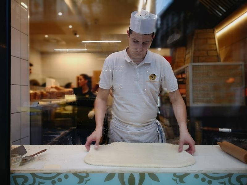 Molnar03 Budapest-布達佩斯煙囪卷Molnar's kurtoskalacs東歐品嚐在地甜點 啊!就麵包..哈