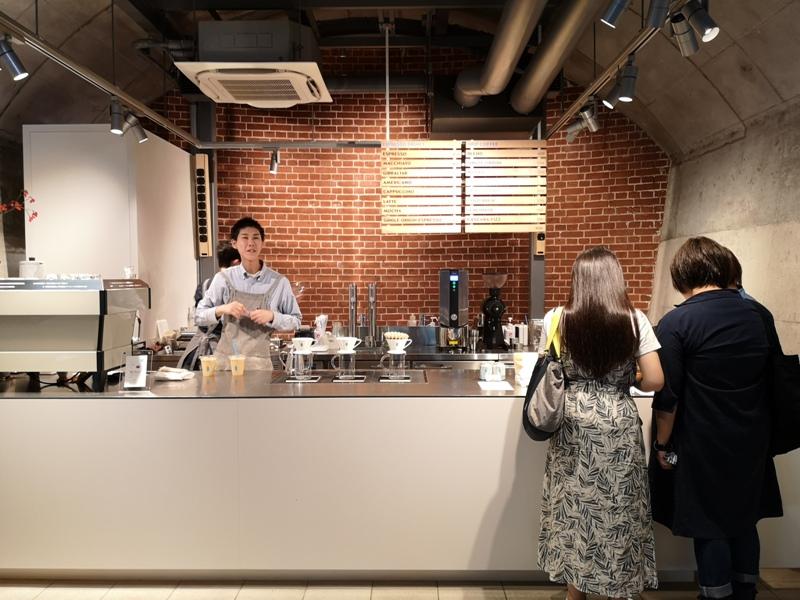 bluebottlemansei110105 Kanda-Blue Bottle 神田萬世橋店 喝咖啡感受電車轟隆轟隆的臨場感