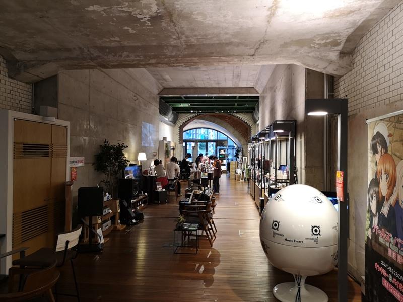 bluebottlemansei110114 Kanda-Blue Bottle 神田萬世橋店 喝咖啡感受電車轟隆轟隆的臨場感