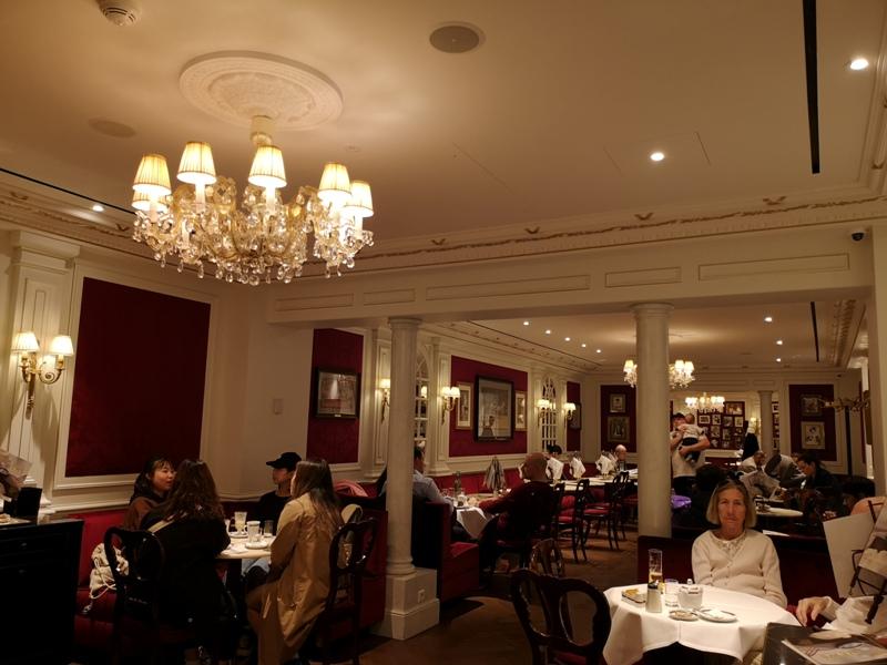 cafesacher05 Salzburg-薩爾斯堡Cafe Sacher沙河飯店吃沙河蛋糕 奧地利國寶甜點