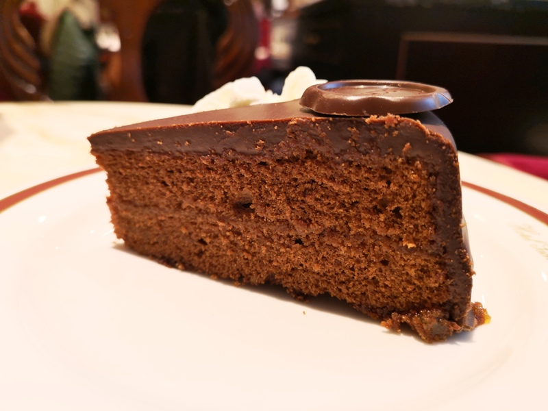 cafesacher13 Salzburg-薩爾斯堡Cafe Sacher沙河飯店吃沙河蛋糕 奧地利國寶甜點