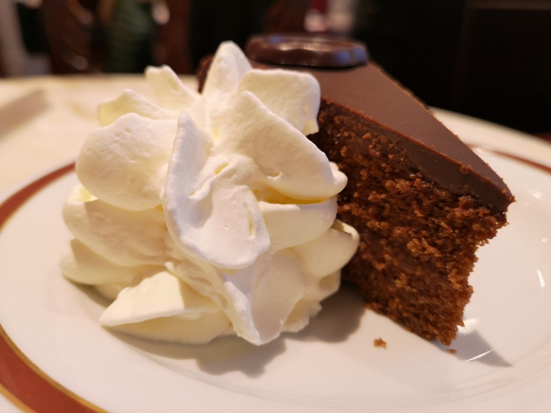cafesacher14 Salzburg-薩爾斯堡Cafe Sacher沙河飯店吃沙河蛋糕 奧地利國寶甜點