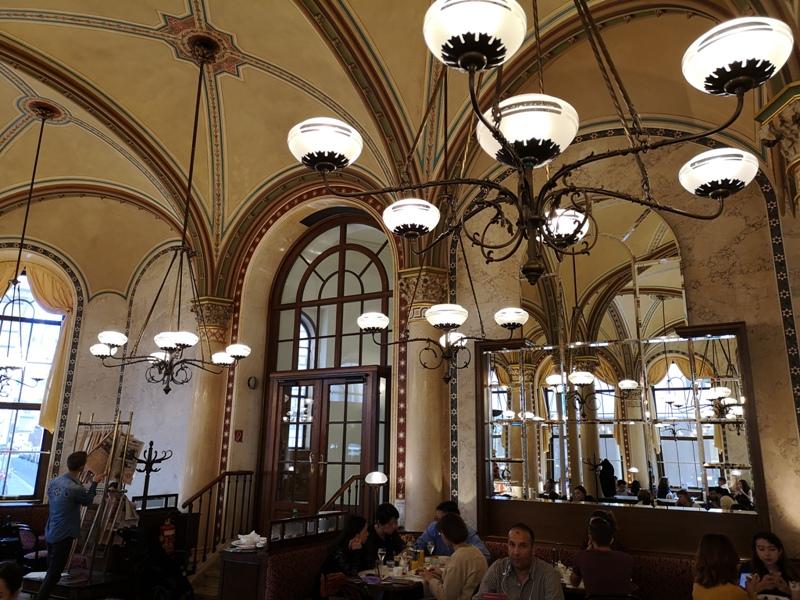 centralcafevie09 Vienna-Central Cafe我不在咖啡館 就在去咖啡館的路上 世界最美咖啡館之維也納中央咖啡館