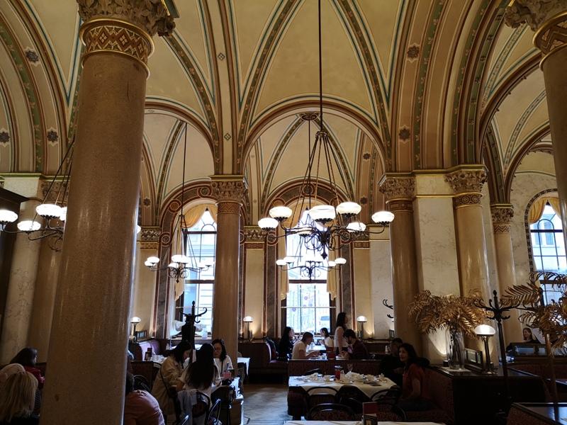 centralcafevie11 Vienna-Central Cafe我不在咖啡館 就在去咖啡館的路上 世界最美咖啡館之維也納中央咖啡館