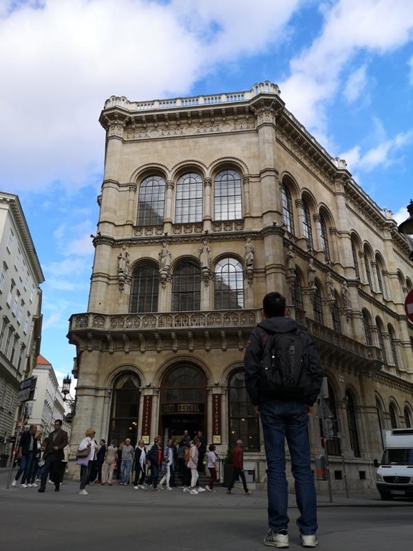 centralcafevie23 Vienna-Central Cafe我不在咖啡館 就在去咖啡館的路上 世界最美咖啡館之維也納中央咖啡館