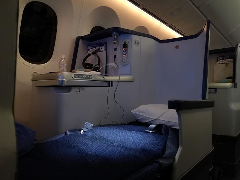 flyvie47 201909台北維也納 ANA787-9夢幻客機商務艙初體驗