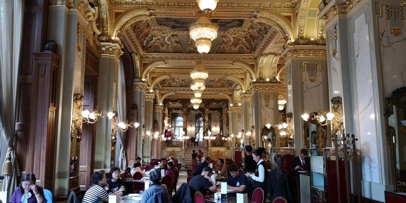 newyorkcafe04 Budapest-New York Cafe宮殿般奢華 世界最美咖啡館之布達佩斯紐約咖啡
