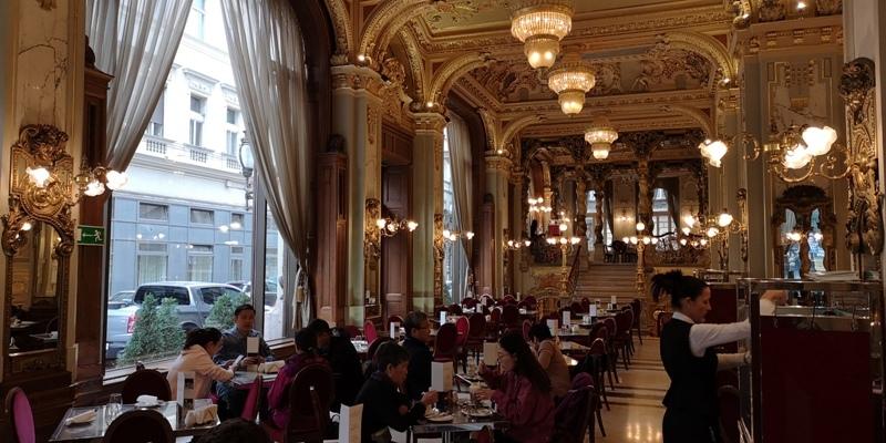 newyorkcafe05 Budapest-New York Cafe宮殿般奢華 世界最美咖啡館之布達佩斯紐約咖啡