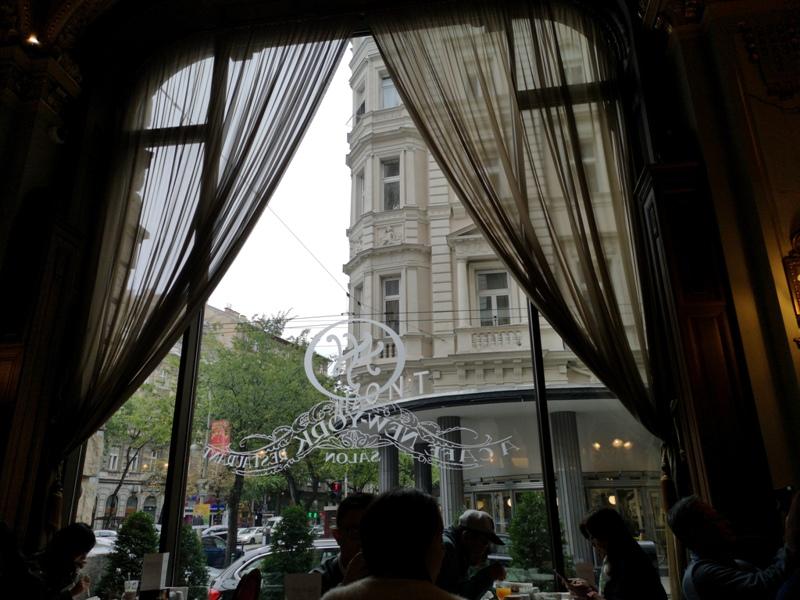 newyorkcafe08 Budapest-New York Cafe宮殿般奢華 世界最美咖啡館之布達佩斯紐約咖啡