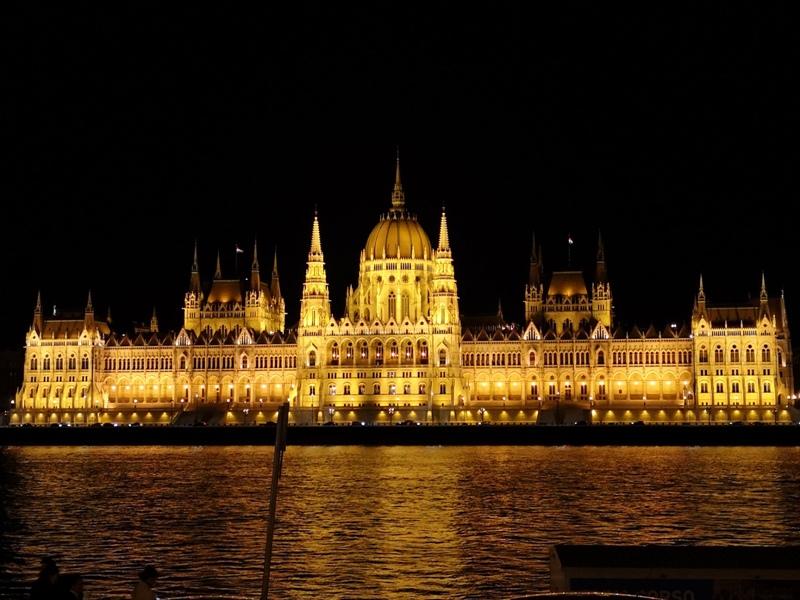 budapestparliament01 Budapest-國會大廈 閃耀布達佩斯的城堡
