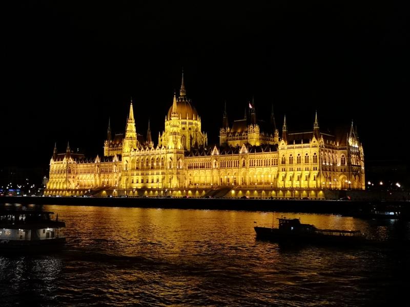 budapestparliament29 Budapest-國會大廈 閃耀布達佩斯的城堡