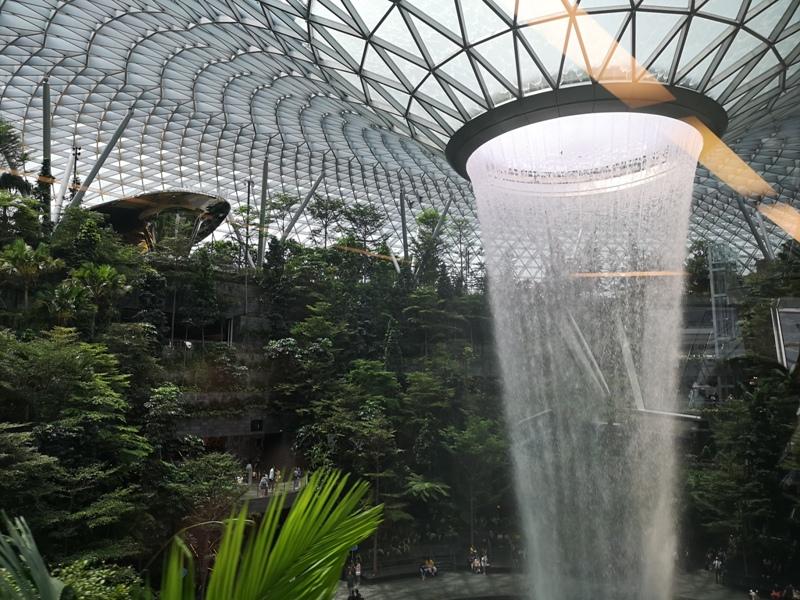 jewelchangi05 Singapore-Jewel Changi星耀樟宜 城市中的森林谷 綠意中人工瀑布雨漩渦超吸精 新加坡樟宜機場必訪