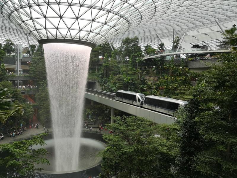 jewelchangiiii09 Singapore-Jewel Changi星耀樟宜 城市中的森林谷 綠意中人工瀑布雨漩渦超吸精 新加坡樟宜機場必訪