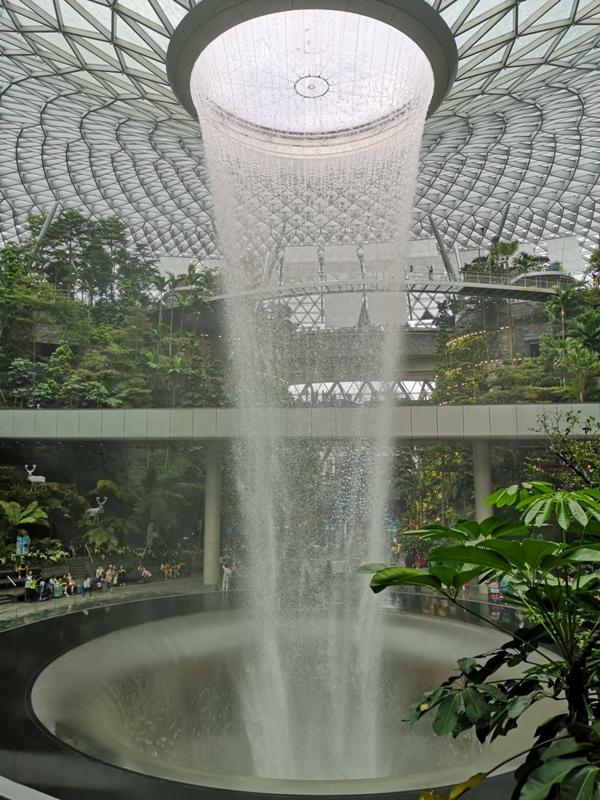 jewelchangiiii11 Singapore-Jewel Changi星耀樟宜 城市中的森林谷 綠意中人工瀑布雨漩渦超吸精 新加坡樟宜機場必訪