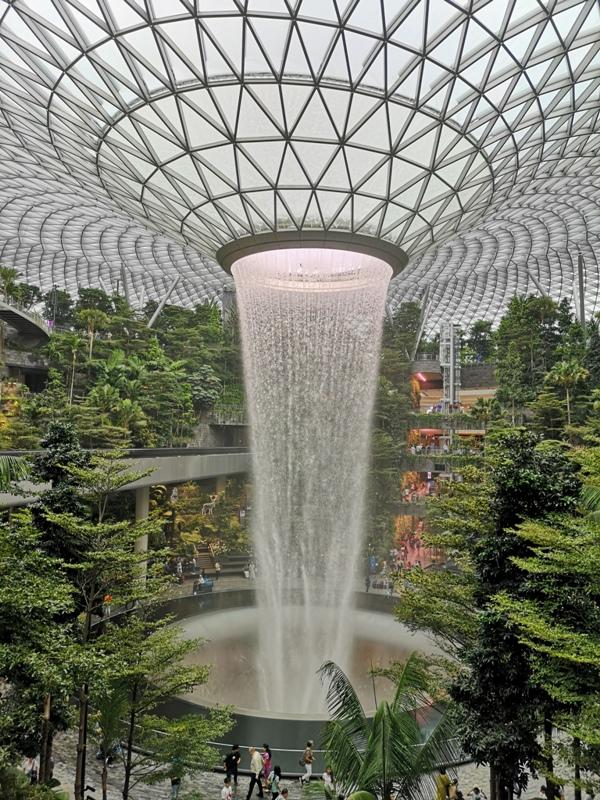 jewelchangiiii19 Singapore-Jewel Changi星耀樟宜 城市中的森林谷 綠意中人工瀑布雨漩渦超吸精 新加坡樟宜機場必訪