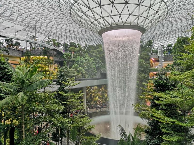jewelchangiiii21 Singapore-Jewel Changi星耀樟宜 城市中的森林谷 綠意中人工瀑布雨漩渦超吸精 新加坡樟宜機場必訪