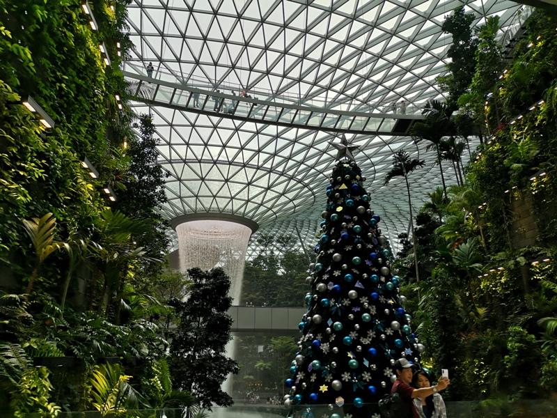 jewelchangiiii24 Singapore-Jewel Changi星耀樟宜 城市中的森林谷 綠意中人工瀑布雨漩渦超吸精 新加坡樟宜機場必訪
