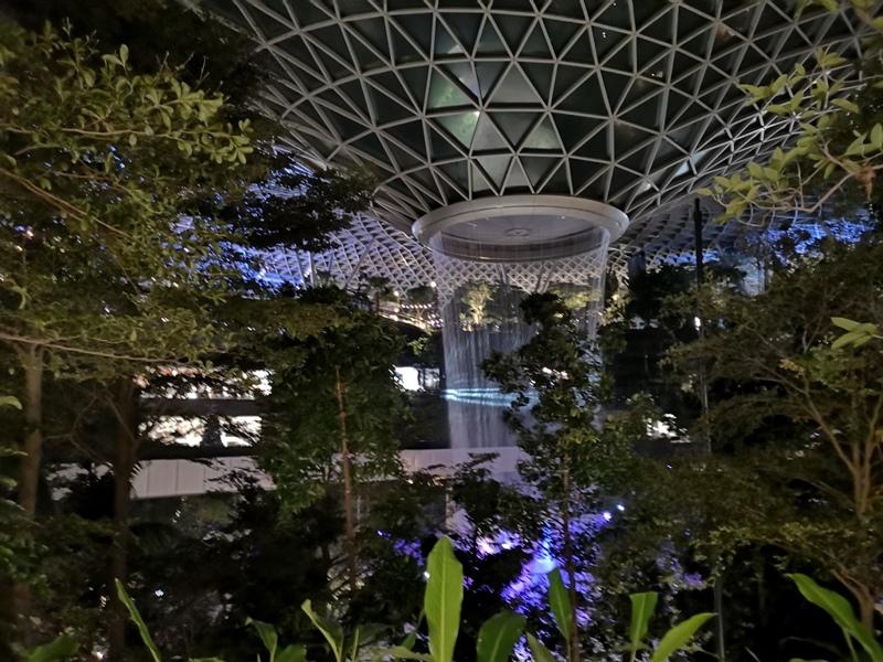 jewelchangiiii27 Singapore-Jewel Changi星耀樟宜 城市中的森林谷 綠意中人工瀑布雨漩渦超吸精 新加坡樟宜機場必訪