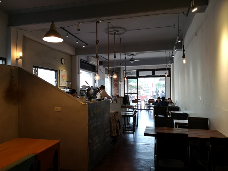 23cafe10 新竹-貳參咖啡 復古風正夯...老宅新風貌