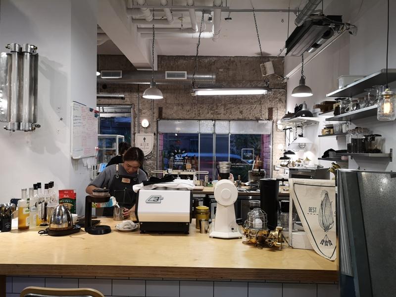 behindyou02 文山-你後面咖啡 躲在公寓中的咖啡館之木柵變好多