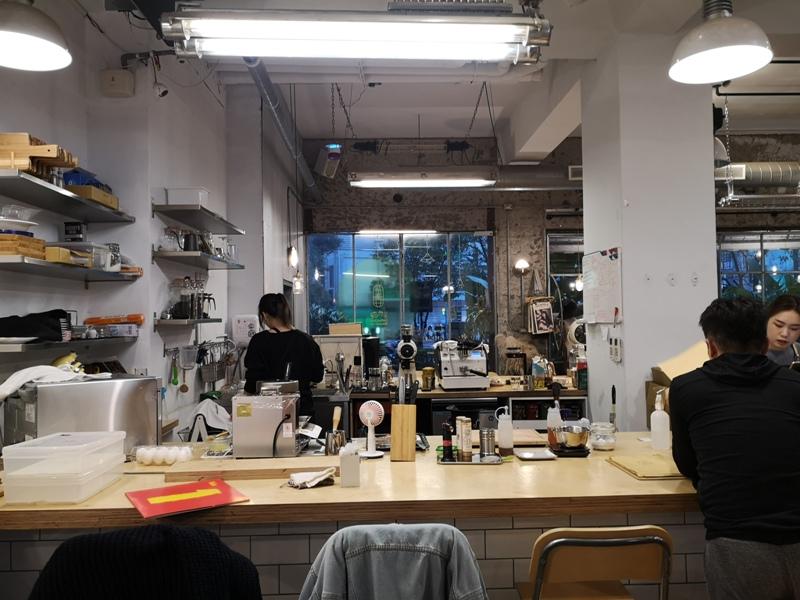 behindyou03 文山-你後面咖啡 躲在公寓中的咖啡館之木柵變好多
