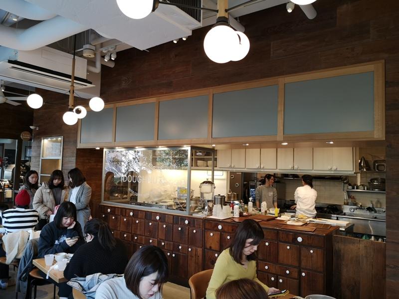 whiteglass15 Shibuya-澀谷White Glass Coffee 有著綠意庭園咖啡館悠閒舒適