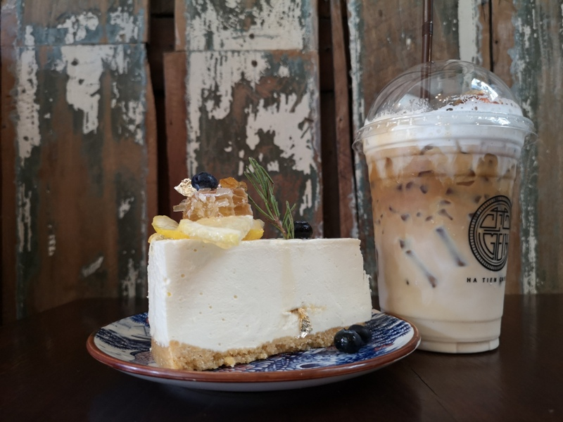 Hatiencafe22 Bangkok-Ha Tien Cafe曼谷臥佛寺旁 復古華麗的咖啡館
