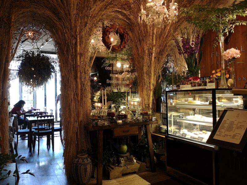 floralcafebkk170106 Bangkok-Floral Cafe at Napasorn曼谷花市旁滿滿花香古物的咖啡館